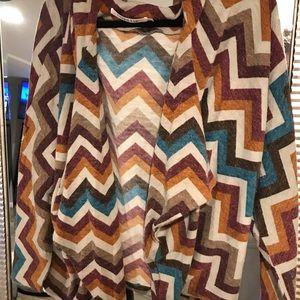 LF mags & pye chevron hooded poncho